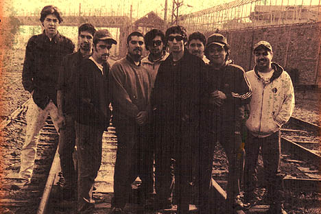 Santo Barrio reedita su primer disco