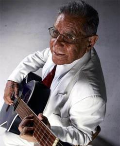 Lalo Parra ya es centenario