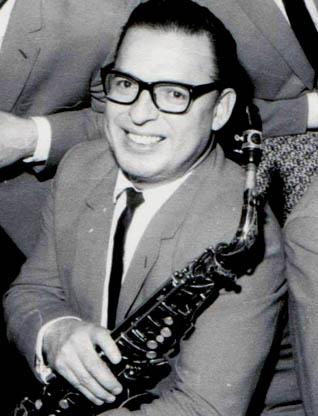 Carmelo Bustos