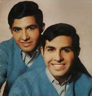 Los Carr Twins